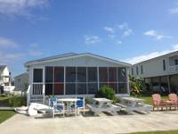 4 Bedroom 3 Bath Water Lover's Cottage with dock and