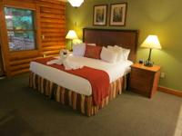 Sleep 6 in this luxury cabin condo for 7 nights that