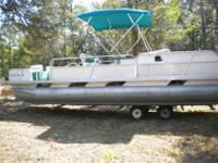 1992 24' Pontoon Boat w/120 hp Johnson Motor. Motor has