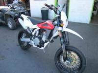 2009 HUSQVARNA SM 510R, Two-tone Red / White, sm 510r -