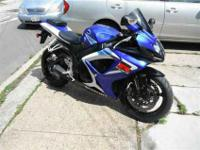 2006 Suzuki GSXR 750 Blue and White with a CLEAR TITLE