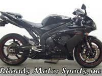 2006 Yamaha R1 with 20,060 Miles.With a liquid cooled
