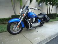 Beautiful 2009 Kawasaki Vulcan 900 custom . This bike