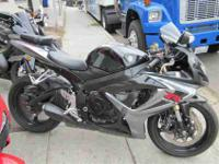 2006 SUZUKI GSX-R600, Two-tone Black / Gray, it started