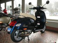 Closeout Special on this New Vespa GTS 300ie.Full
