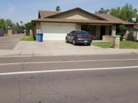 Convenient 5 bedroom South Tempe home on BIG