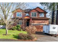 Spacious, open plan - gorgeous hardwood floors, 9'