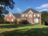 All brick home on full basement on large cul-de-sac