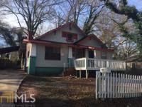 Fixer upper! This 1930 single family investment is