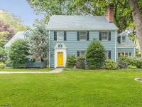 Classic colonial in the heart of sleepy hollow,