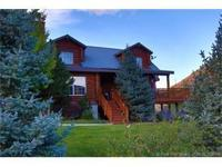 Classic Canyon Meadows Log home! Spectacular alpine