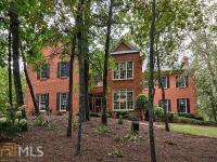 Spectacular 5.9 acre private estate living in