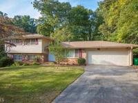 Huge 5 bd/4 baths family home. Hardwood floors on the