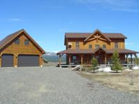 PRIVATE AND PRISTINE! Custom built cabin has been on