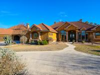 Panoramic views of Comanche Trace from this