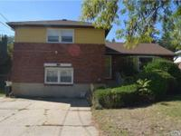 Perfect Location W/ Many Possibilities. Property Lovers