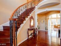 Stunning Floor to ceiling windows, brings beautiful