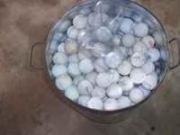 5 gallon bucket of like new golf balls, no mud lost