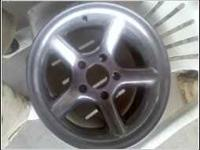 Hi, im selling a set of 4 rims that are 5 lug rims for