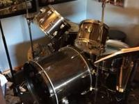 this used drum kit includes the below, this is used and
