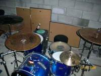 5 piece sparkle blue ludwig drumset. recently new evans