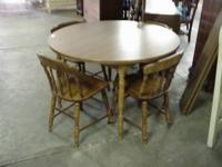 5 piece maple dinette set in very clean excellent
