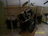 Dark Green 5 piece Pearl Forum Drum set for sale. Comes