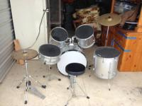 Remo Enforcer 5 piece drum set  All new heads and pads