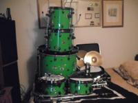 I have a 5 Piece Spartan Custom Drumkit ( green with