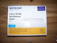 5-Port 10/100 Fast Ethernet Switch (netgear) With