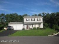 Beautiful 2-story colonial house in an excellent