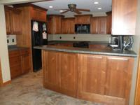 5 YEAR OLD KITCHEN FROM WOODHARBOR IN SELECT ALDER