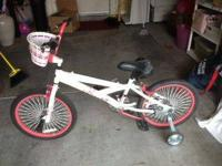 "Brand New 20"" Huffy Childrens Bicyle with training"