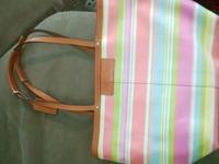 Reversible medium sized AUTHENTIC Coach bag! Beautiful