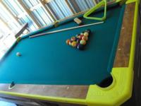I'm selling this rare 8' Valley pool table. In very