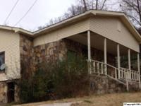 SINGLE FAMILY HOME LOOKING FOR A NEW OWNER! Come check