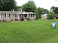 Beautiful 4B/2FB Country Home with Huge Living Room and