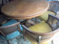 Round Kitchen Table & 5 ChairsSolid Oak Table & Walnut