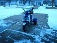 Very nice like new ice bear 3 wheel moped.284 kl or 170