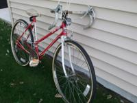 Up for sale is this red 50cm Murray Spectra 10 speed