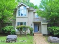 Completely remodeled townhouse surrounded by nature and