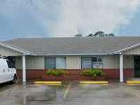 Ideal office space in move-in condition. 740 s.f. space