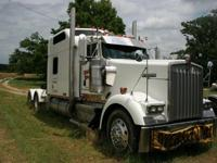 2003 Kenworth model W900 Semi AEROCAB with Studio