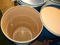Food grade 55 gallon barrels in open top with lids in