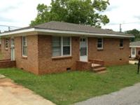 2 Bedroom/1 Bathroom home for rent on Linda Street in