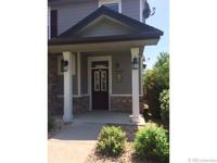 Beautiful 3 bedroom townhome with a main floor master /