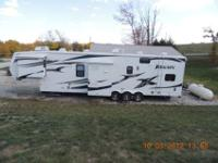 2010 Jayco Recon 40D Toy Hauler Fifth Wheel excellent