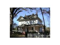 Spacious older house with 6 bedrooms, 4 baths,