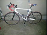 57 CM Scanttante Road Bike. Great starter bike. Shimano