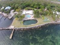 Huge open waterfront estate! Over 340 feet of Gulf